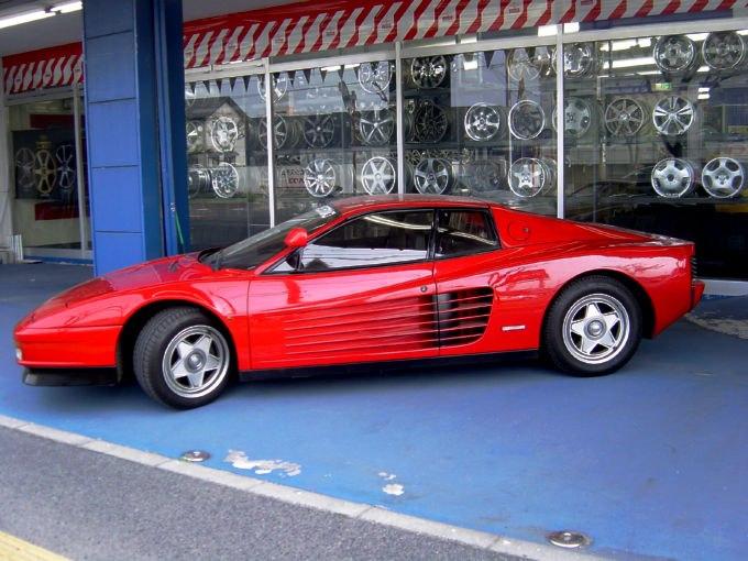 Ferrari-TESTAROSSA-02