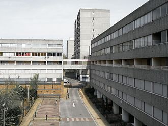 Social class in the United Kingdom - Many unemployed people rely on Universal Credit and are housed in social housing, such as council estates