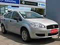 Fiat Linea 1.4 ELX Active 2014 (12280312776).jpg