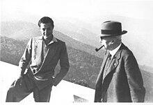 Gianni Agnelli con suo nonno Giovanni Agnelli Senior nel 1940