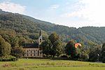 Filialkirche Guggenthal mit Paragleiterlandung 1.jpg