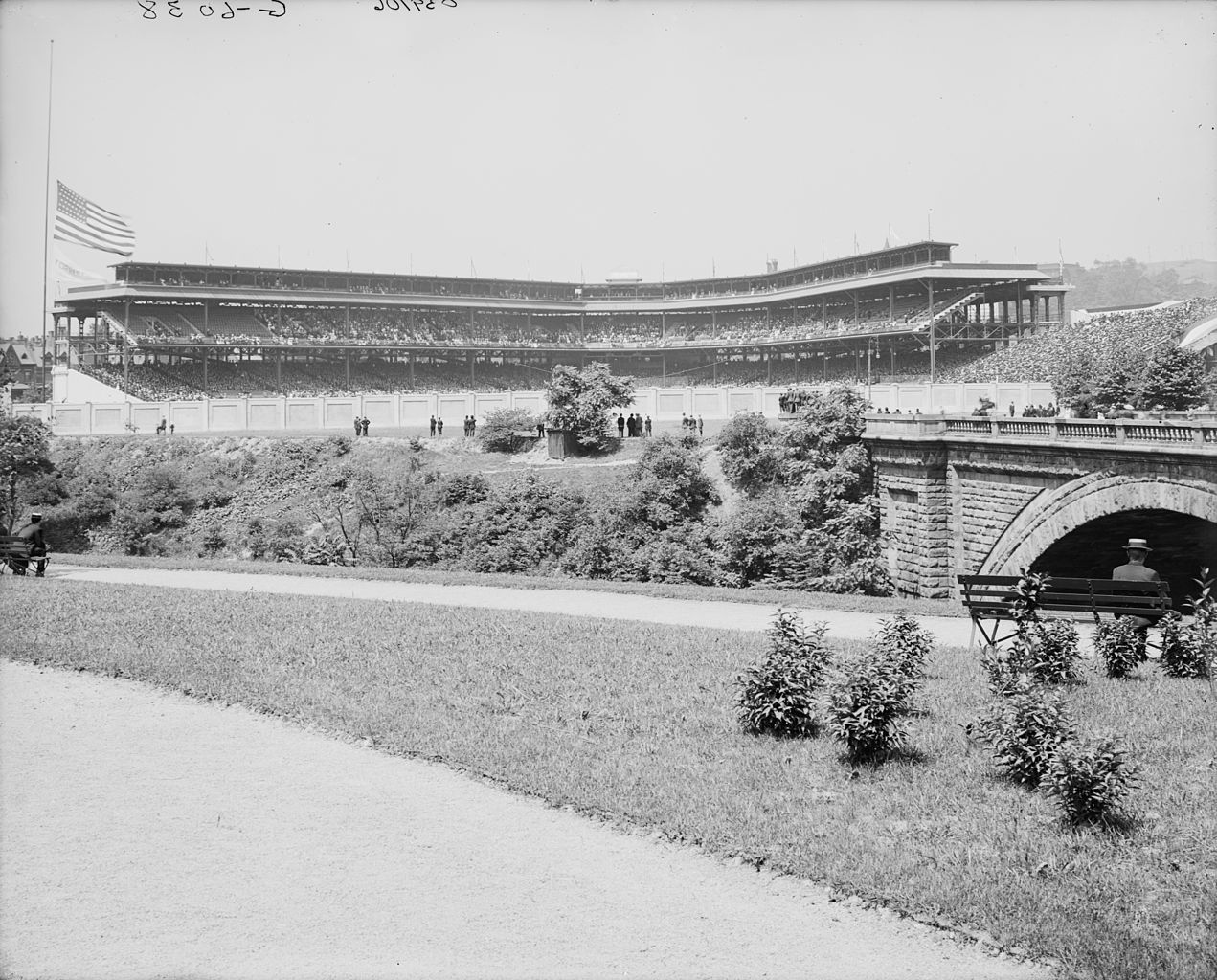 Original file  (9,486 × 7,642 pixels, file size: 10.86 MB, MIME ...: commons.wikimedia.org/wiki/file:forbes_field_circa_1910.jpg