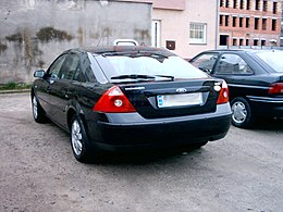 Ford.mondeo.mk3-black.back-by.ranger.jpg