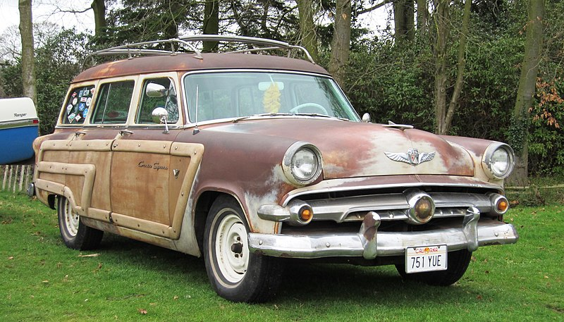 File:Ford Country Squire mfd 1954 5700cc.JPG