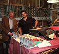 Francesco Mazzoli avec Claude Mercier-Ythier dans sa boutique, Paris 2013.jpg