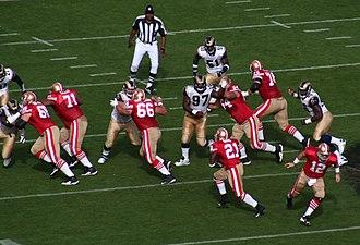 2007 San Francisco 49ers season - Image: Frank Gore up middle vs STL 2007 11 18