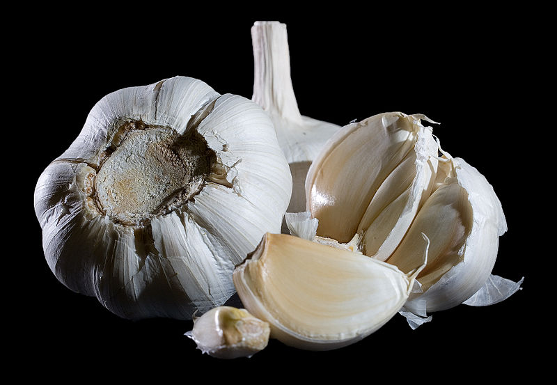 File:Garlic Bulbs 2.jpg