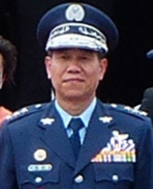 Liu Chen-wu - Image: General Liu Chen wu 空軍司令劉震武上將 (ROCAF Thundertigers Pilots Salute to ROCAF Commander General Liu on Review Stand 20130601)