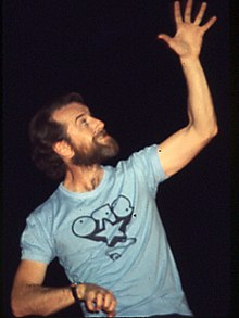 George Carlin In concert at the Zembo Mosque, Harrisburg, Pa.jpg