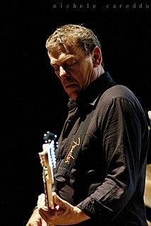 Gerry McAvoy Irish blues rock bass guitarist