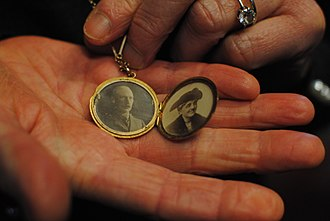 Gilbert Barling - Locket containing pictures of Sir Gilbert Barling and his wife, worn by his great-granddaughter at the unveiling of his blue Plaque