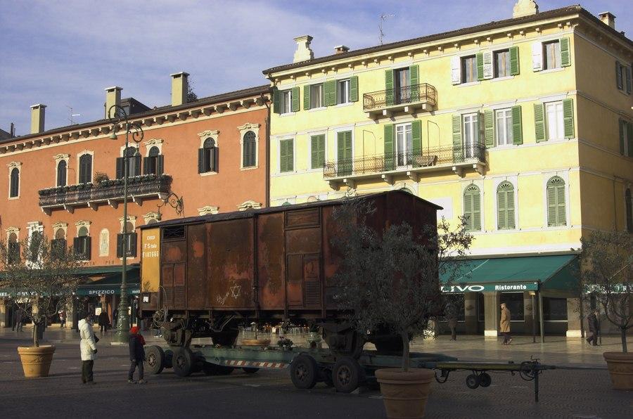 Italian Holocaust train exhibition, Verona