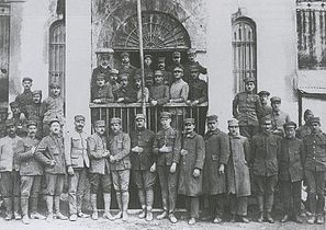 Large group photo of men in uniform