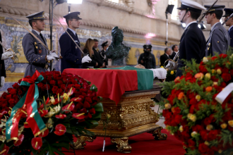 Mário Soares - Mário Soares lying-in-state in Jerónimos Monastery, Lisbon, 10 January 2017