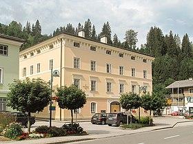 Hüttau, monumentaal pand foto2 2011-07-28 10.04.JPG