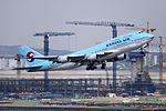 HL7404 - Korean Air Lines - Boeing 747-4B5 - ICN (17321754111).jpg