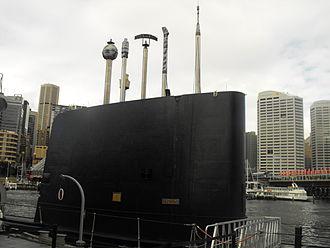 HMAS Onslow - Image: HMAS Onslow fin and masts