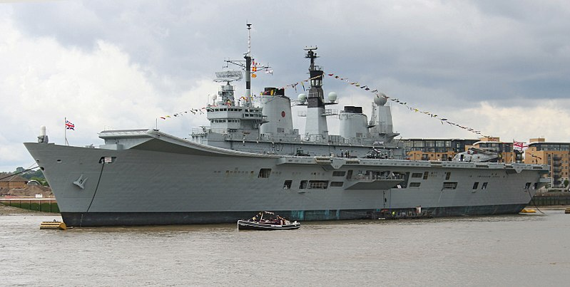 File:HMS Ark Royal (R07).jpg
