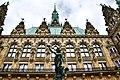 Hamburger Rathaus (Innenhof).jpg