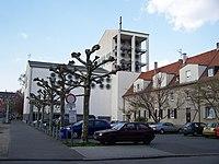Heilig-Geist-Kirche, Frankfurt-Riederwald.jpg