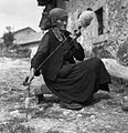 Helena Juriševič, Golac, pri Heričovih, stara 76 let, prede volno 1955 (4).jpg
