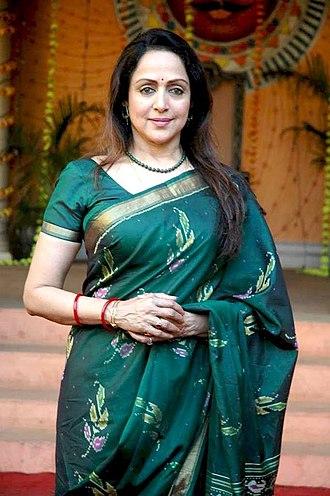 Hema Malini - Image: Hema malini bhungama 1