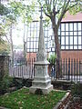 Highgate Cemetery 025.jpg