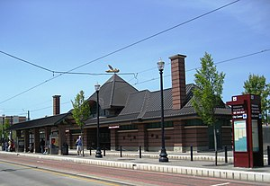 Hillsboro Central MAX station south.JPG