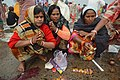 Hindu Devotees Pray To Surya - Makar Sankranti Observance - Baje Kadamtala Ghat - Kolkata 2018-01-14 6896.JPG