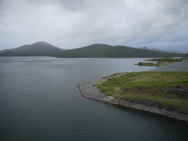 Hinze Dam - Advancetown Lake (December 2011).png