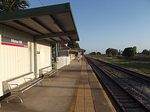 Home Hill railway station - Southbound view in January 2013