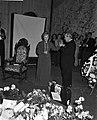 Huldiging Ida Wasserman en Bob van Leersum, Bestanddeelnr 913-1967.jpg