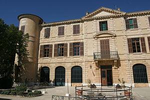 Institution des Invalides de la Legion Etrangere - Image: IILE chateau 3