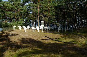 Soviet evacuation of Tallinn - Graves of men lost on Eestirand on Prangli Island where it was beached.
