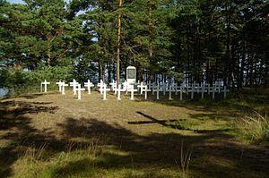Soviet evacuation of Tallinn - Graves of men lost on Eestirand on Prangli Island where it was beached.