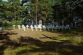 Soviet evacuation of Tallinn - Graves of men lost on Eestirand on Prangli Island where it was beached