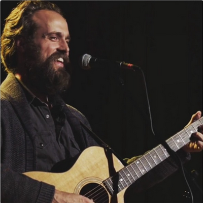 Picture of a band or musician: Iron And Wine