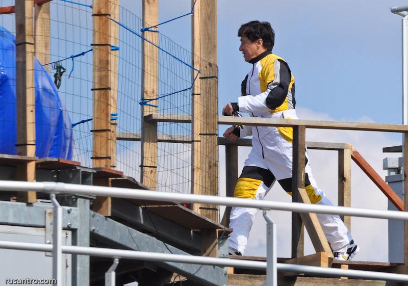 Jackie Chan 2012 Chinese zodiac.jpg