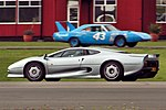 Jaguar XJ220 - Dunsfold Wings and Wheels 2014 (14868120217).jpg
