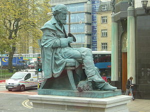 George Street, Edinburgh - Statue of James Clerk Maxwell on George Street