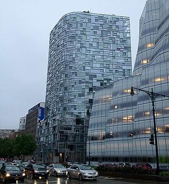 100 Eleventh Avenue - 100 Eleventh Avenue, view along 11th Avenue