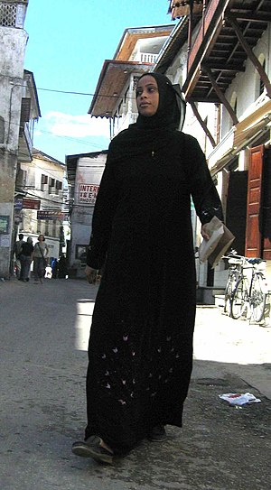 Swahili people - A Swahili woman from Zanzibar in Islamic dress