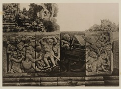 KITLV 40033 - Kassian Céphas - Reliefs on the terrace of the Shiva temple of Prambanan near Yogyakarta - 1889-1890.tif