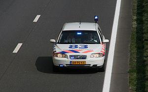 Korps landelijke politiediensten - Volvo V70 on the A28 near Soesterberg.