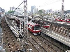 神奈川新町站