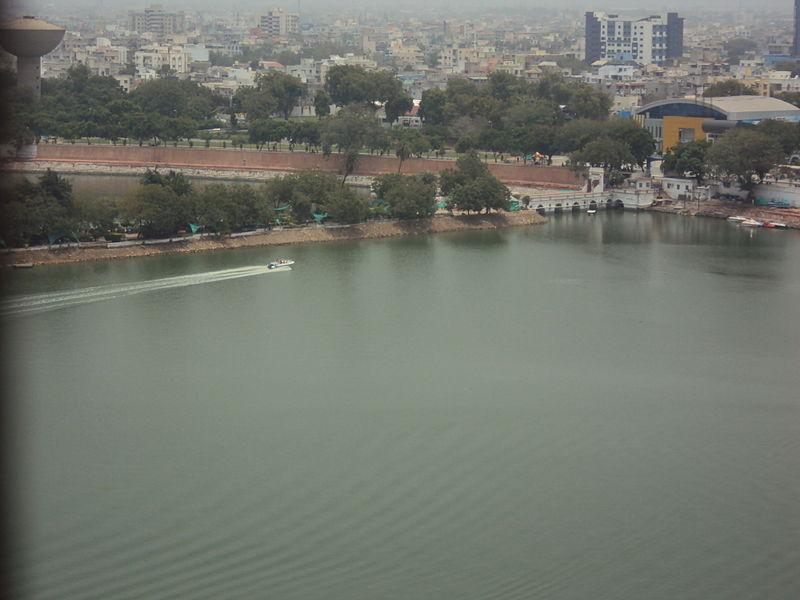 File:Kankariya lake ahmedabad.jpeg