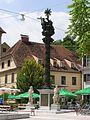 Karmeliterplatz Graz Dreifaltigkeitssaule.jpg