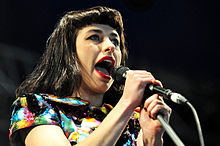 Kimbra @ Wellington Square (25 9 2011) (6202052585).jpg