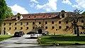 Kloster Prüfening Nebengebäude 01.jpg