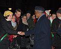 Kofi Annan hälsar på publiken..jpg